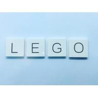 Lego tegels met 1 letter kan ook! Maak je eigen naam van legotegels! #legotegels #legomasters #legomaster #legograveren