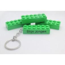 Sleutelhanger legoblok XL 2x6 Groen - Graveren en naam ingekleurd