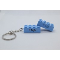 Sleutelhanger legoblok 2x4 Blauw (licht) - Graveren en naam ingekleurd