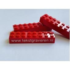 Legoblok 2x8 Rood - Graveren en tekst ingekleurd