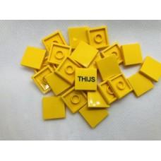 Legotegel 2x2 Geel - Graveren en tekst ingekleurd
